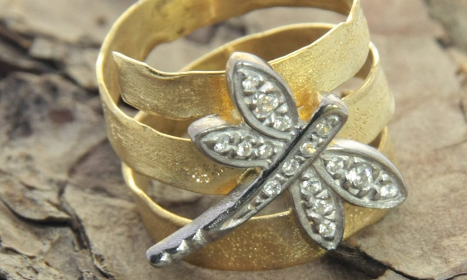 Favela jewelry