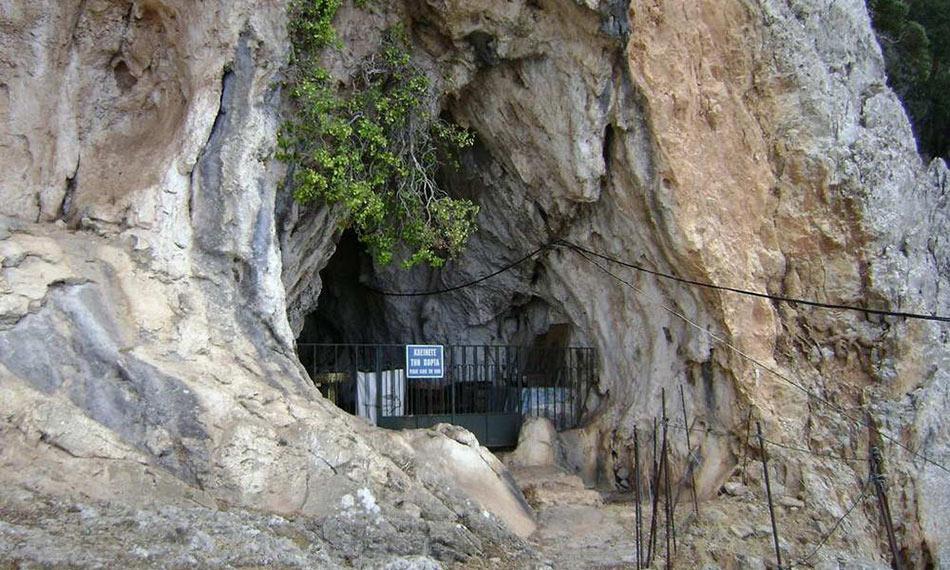 Agia Fotini cave