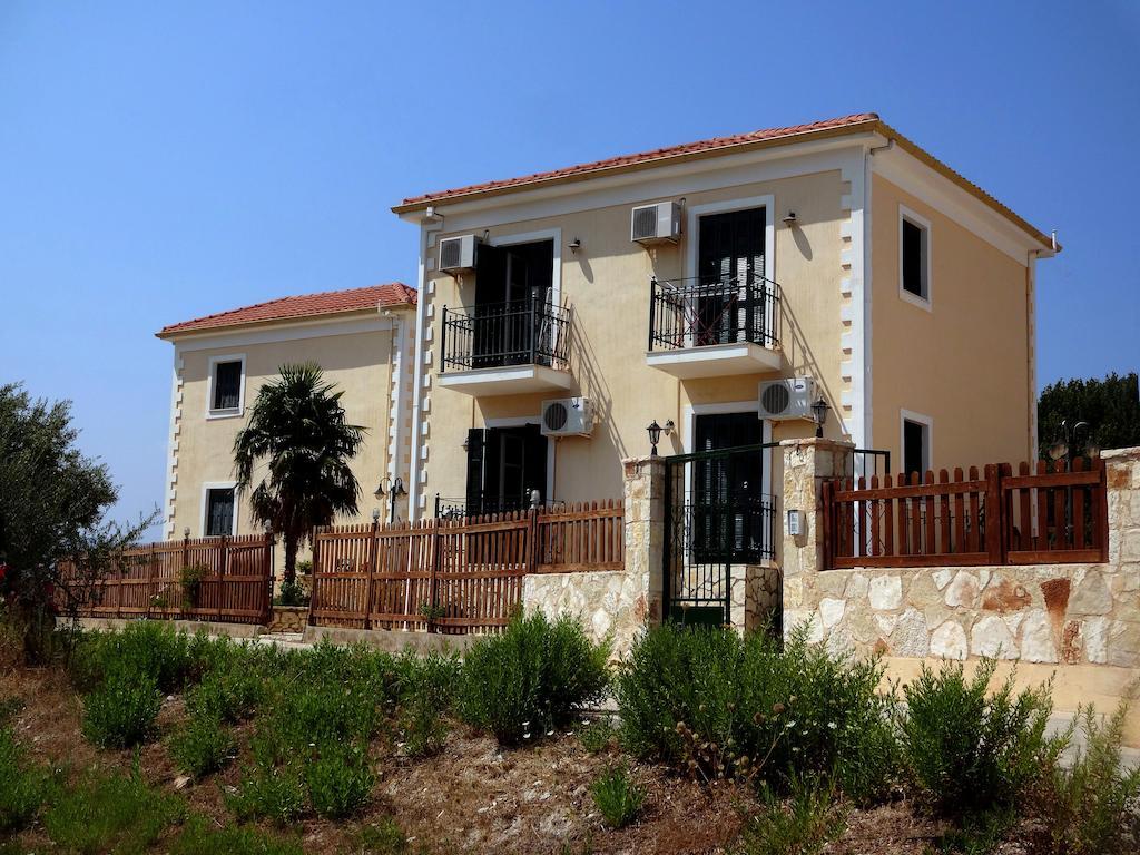 Irianna Village Inn